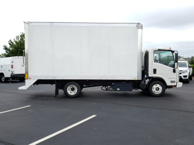 2018 LCF 4500HD Regular Cab 4x2,  Cab Chassis #MH5098 - photo 3