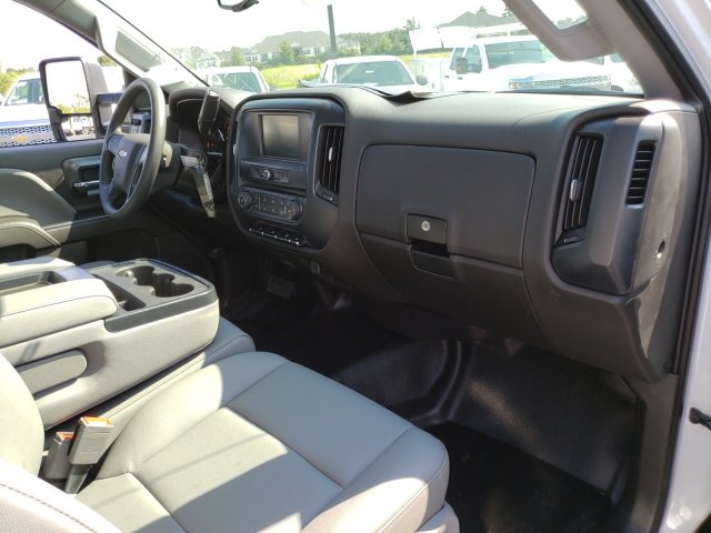 2019 Silverado Medium Duty Regular Cab DRW 4x2, Freedom Workhorse Platform Body #MI5978 - photo 26