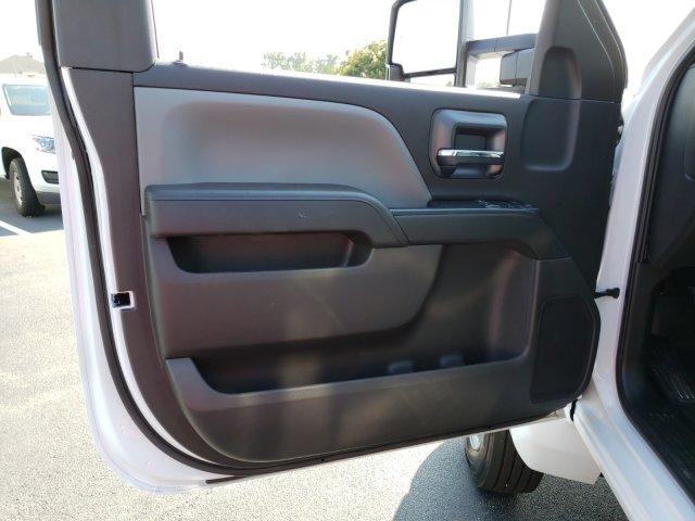 2019 Silverado Medium Duty Regular Cab DRW 4x2, Freedom Workhorse Platform Body #MI5978 - photo 9