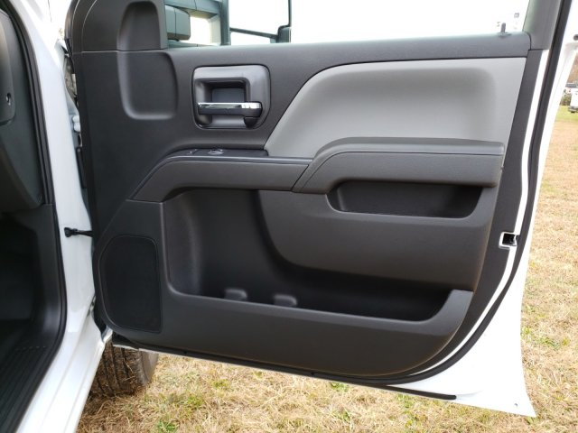 2019 Silverado 2500 Double Cab 4x2, Reading SL Service Body #MI6635 - photo 29