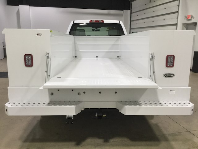 2018 Sierra 3500 Regular Cab DRW 4x2,  Reading Service Body #40450 - photo 5