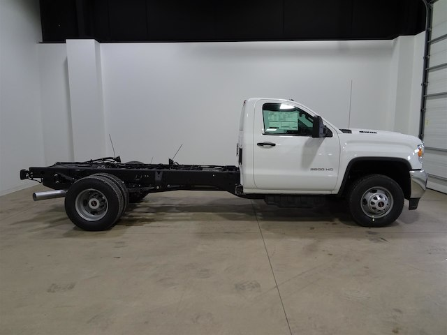 2018 Sierra 3500 Regular Cab DRW 4x2,  Cab Chassis #41455 - photo 3
