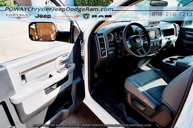 2018 Ram 3500 Regular Cab DRW 4x2,  Cab Chassis #C15573 - photo 38
