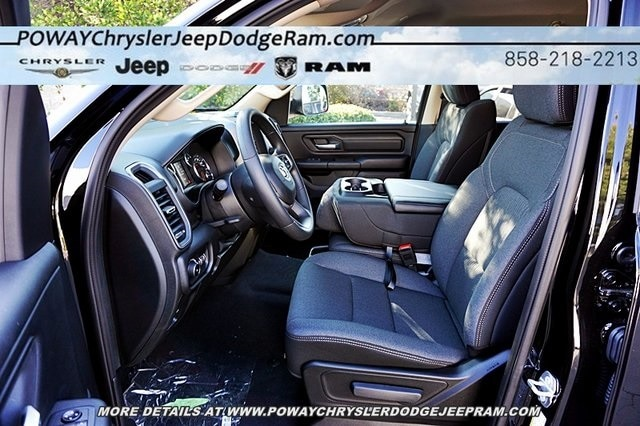 2019 Ram 1500 Crew Cab 4x4, Pickup #C16539 - photo 18