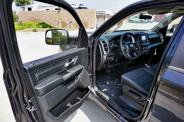 2019 Ram 1500 Crew Cab 4x2, Pickup #C16588 - photo 35