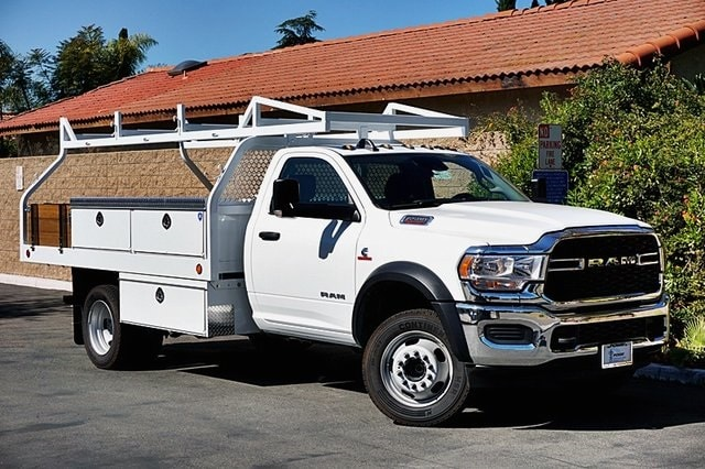 2019 Ram 5500 Regular Cab DRW 4x2, Royal Contractor Body #C17354 - photo 3