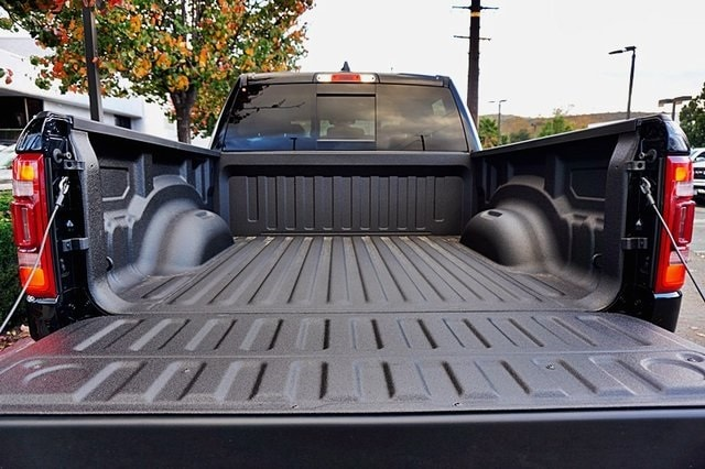 2020 Ram 1500 Crew Cab 4x4, Pickup #C17372 - photo 11