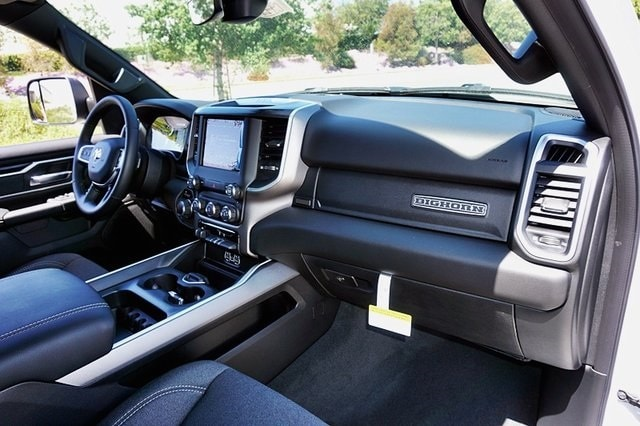 2020 Ram 1500 Crew Cab 4x2, Pickup #C17538 - photo 15