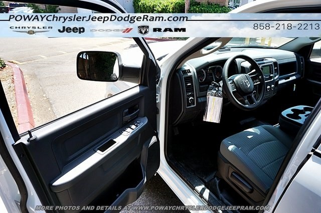 2018 Ram 3500 Crew Cab DRW 4x4,  Cab Chassis #CX16475 - photo 26