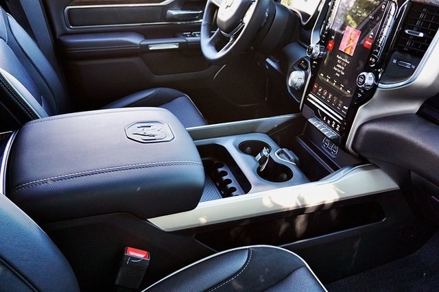 2020 Ram 1500 Crew Cab 4x2, Pickup #CX17617 - photo 14