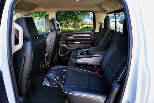 2020 Ram 1500 Crew Cab 4x2, Pickup #CX17617 - photo 18