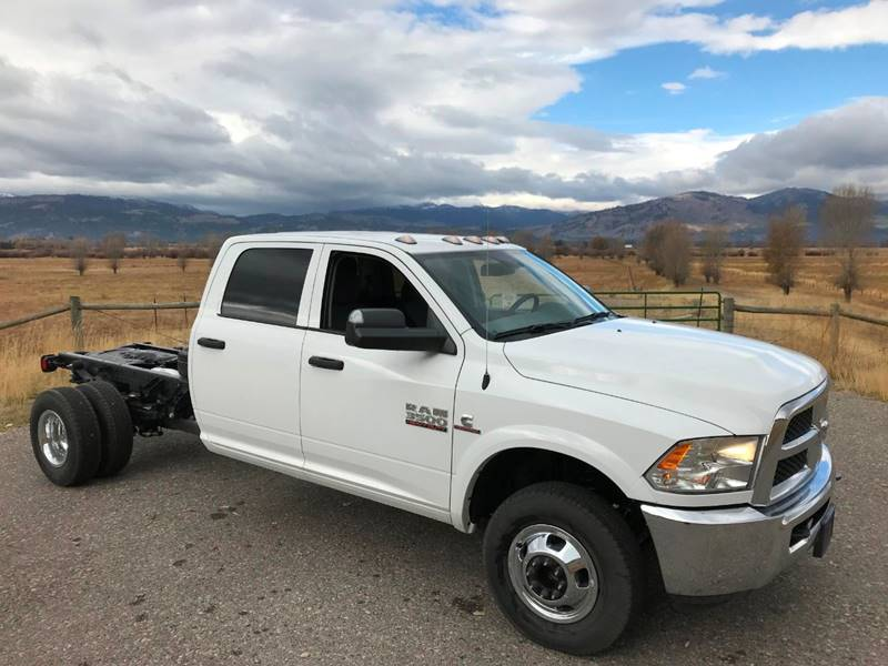 2018 Ram 3500 Crew Cab DRW 4x4,  Cab Chassis #N2329 - photo 3