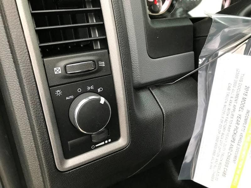 2018 Ram 3500 Crew Cab DRW 4x4,  Cab Chassis #NJ180 - photo 17