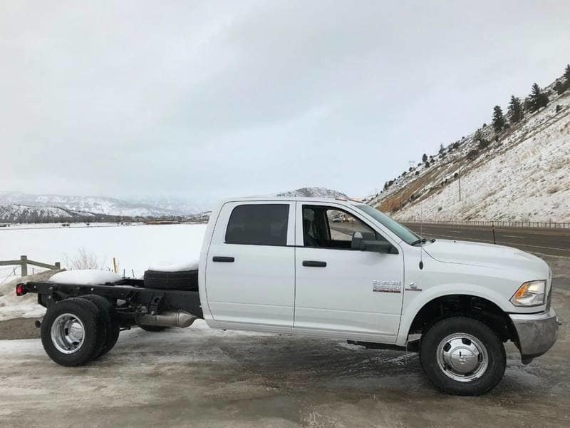 2018 Ram 3500 Crew Cab DRW 4x4,  Cab Chassis #NJ180 - photo 5