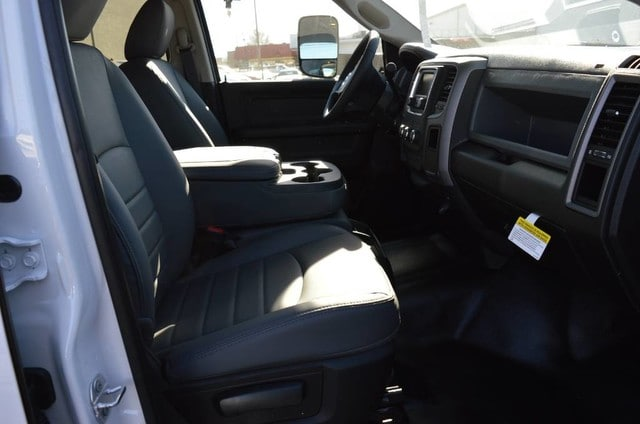 2018 Ram 3500 Crew Cab DRW 4x2,  Scelzi Service Body #30236 - photo 3