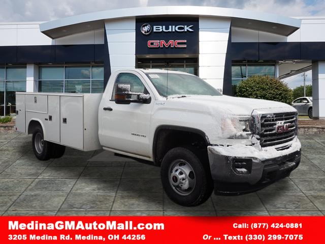 2018 Sierra 3500 Regular Cab 4x4,  Reading SL Service Body #G180744 - photo 1