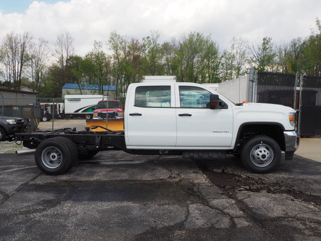 2018 Sierra 3500 Crew Cab 4x4,  Cab Chassis #G181503 - photo 3