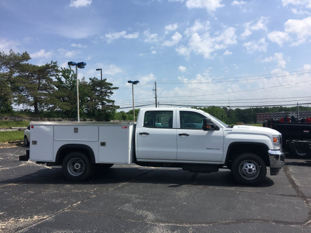 2018 Sierra 3500 Crew Cab 4x4,  Monroe Service Body #G181596 - photo 3