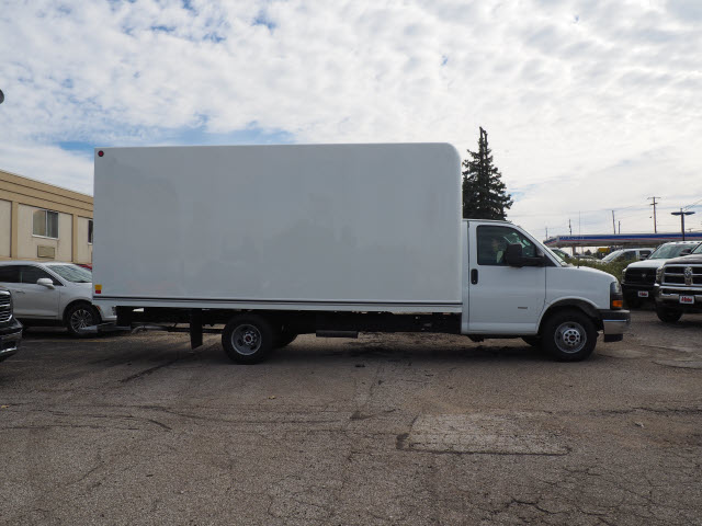 2018 Savana 3500 4x2,  Unicell Cutaway Van #G182144 - photo 3