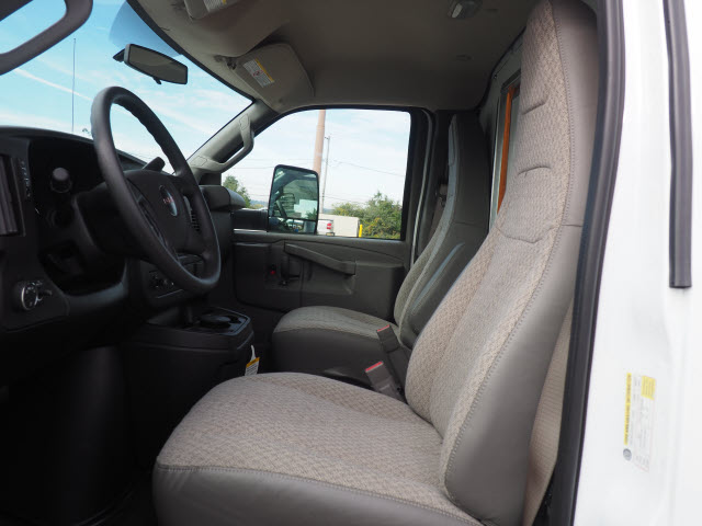2018 Savana 3500 4x2,  Unicell Cutaway Van #G182144 - photo 4