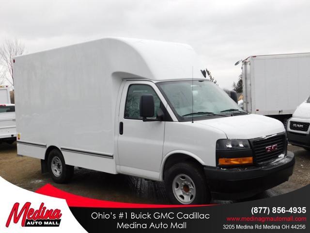 2019 GMC Savana 3500 4x2, Unicell Cutaway Van #G192703 - photo 1
