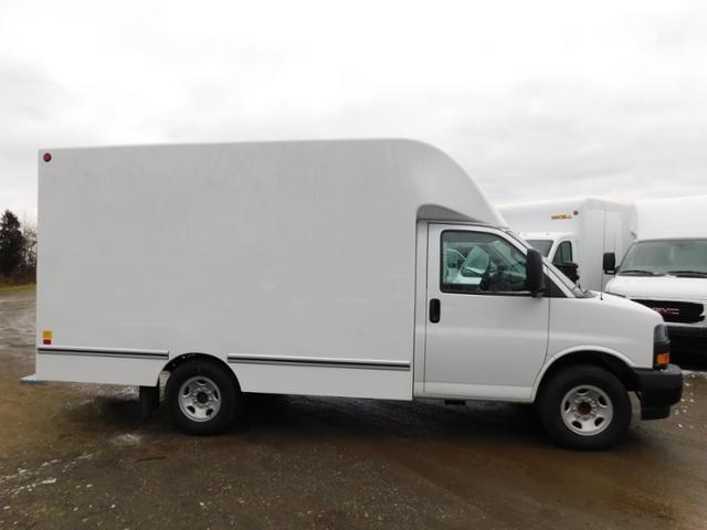 2019 GMC Savana 3500 4x2, Unicell Aerocell CW Cutaway Van #G192703 - photo 3