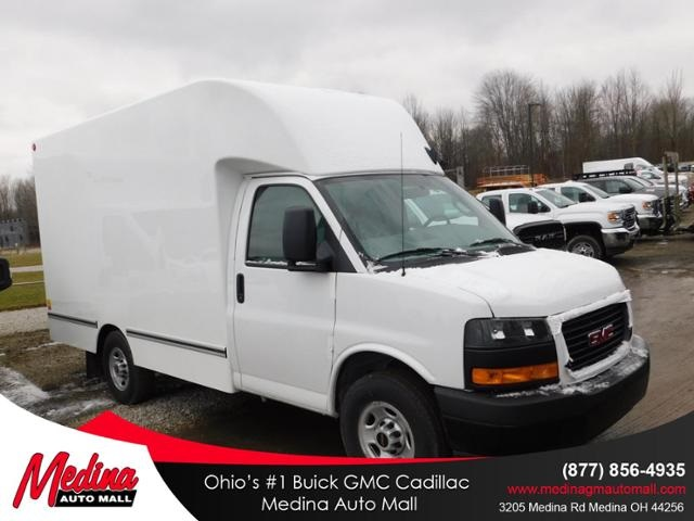 2019 GMC Savana 3500 4x2, Unicell Cutaway Van #G192704 - photo 1