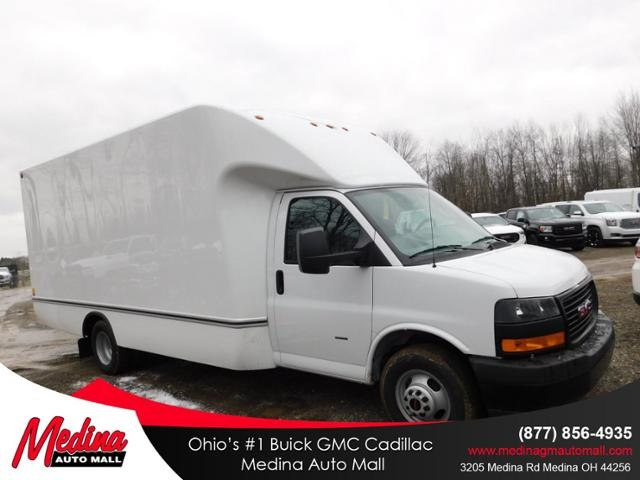 2020 GMC Savana 3500 4x2, Unicell Cutaway Van #G200894 - photo 1