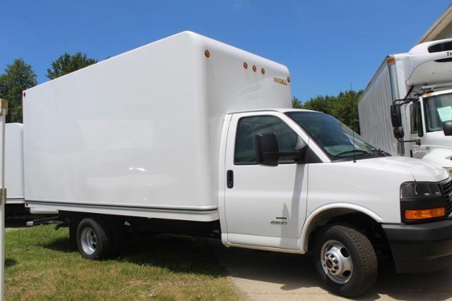 2020 GMC Savana 4500 4x2, Unicell Classicube Cutaway Van #G202146 - photo 3