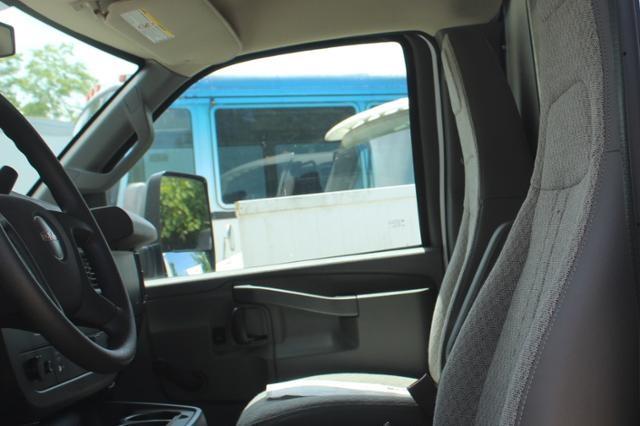 2020 GMC Savana 4500 4x2, Unicell Classicube Cutaway Van #G202146 - photo 7