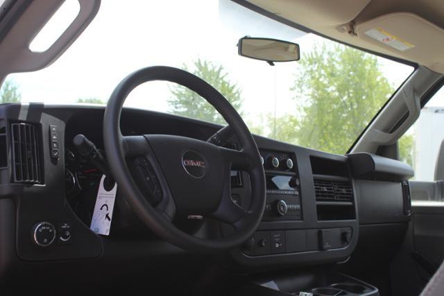 2020 GMC Savana 4500 4x2, Unicell Classicube Cutaway Van #G202146 - photo 8