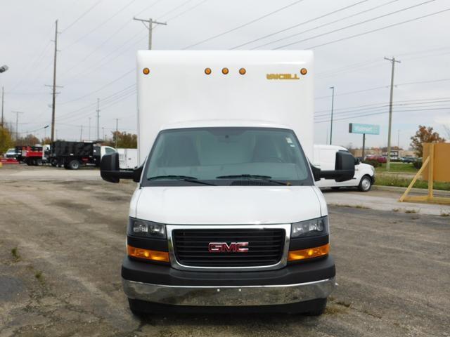 2020 GMC Savana 4500 DRW 4x2, Unicell Cutaway Van #G202858 - photo 4