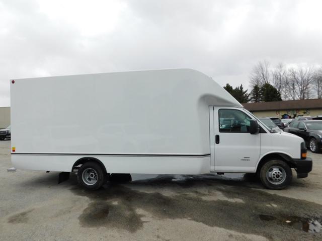 2020 GMC Savana 4500 4x2, Unicell Aerocell Cutaway Van #G203047 - photo 3