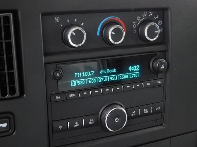 2020 GMC Savana 3500 4x2, Unicell Classicube Cutaway Van #G203055 - photo 9