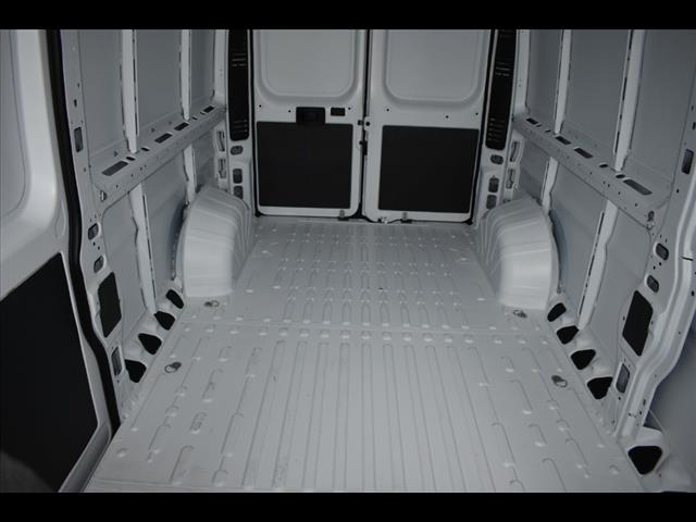 2018 ProMaster 2500 High Roof FWD,  Empty Cargo Van #JE156933 - photo 2