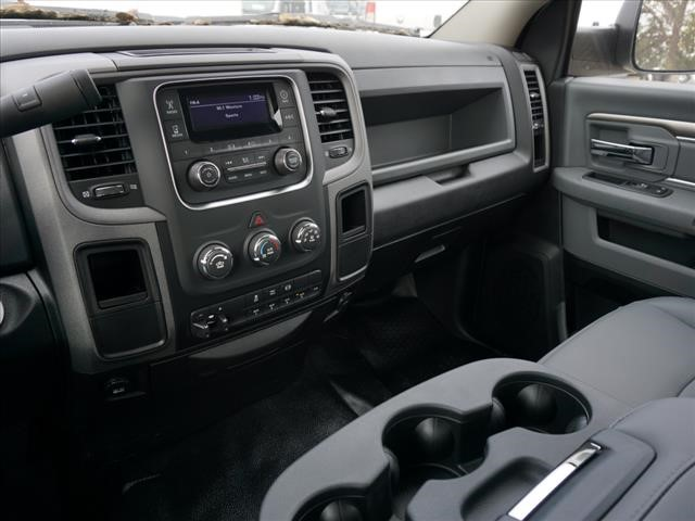 2018 Ram 3500 Regular Cab DRW 4x2,  Cab Chassis #JG319980 - photo 9