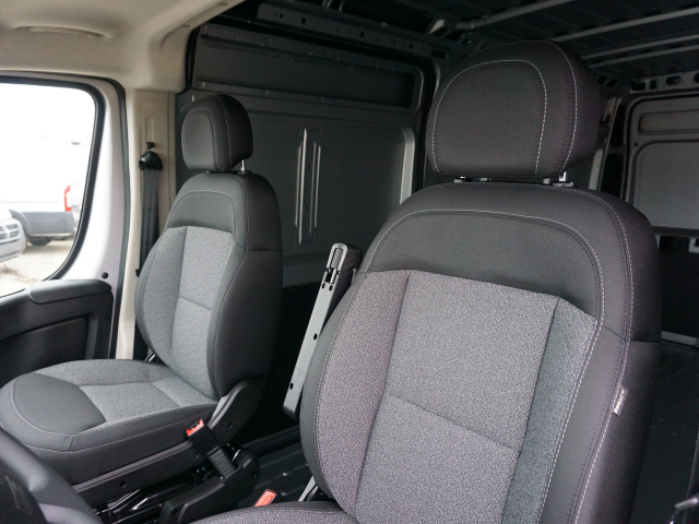 2019 ProMaster 2500 High Roof FWD,  Empty Cargo Van #KE500448 - photo 10