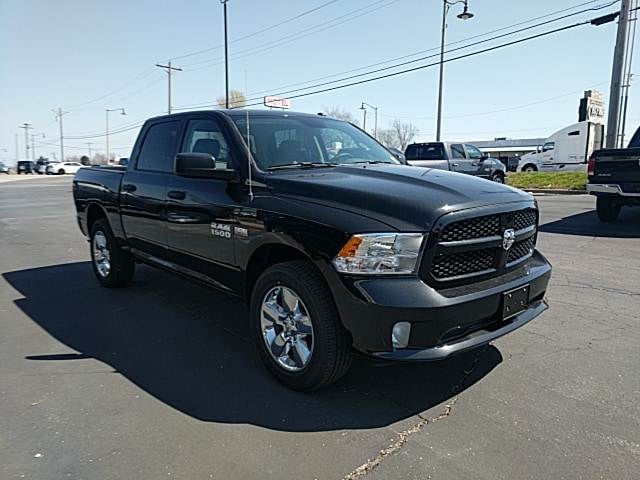 2018 Ram 1500 Crew Cab 4x4,  Pickup #265427 - photo 4