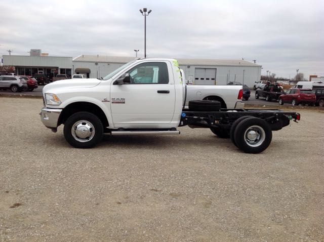 2018 Ram 3500 Regular Cab DRW 4x4,  Cab Chassis #274412 - photo 2