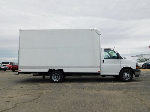 2018 Savana 3500 4x2,  Bay Bridge Cutaway Van #GT02937 - photo 3