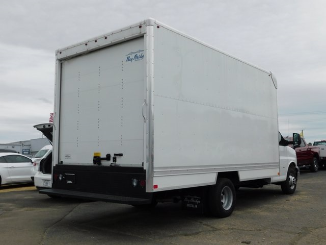 2018 Savana 3500 4x2,  Bay Bridge Cutaway Van #GT02937 - photo 2
