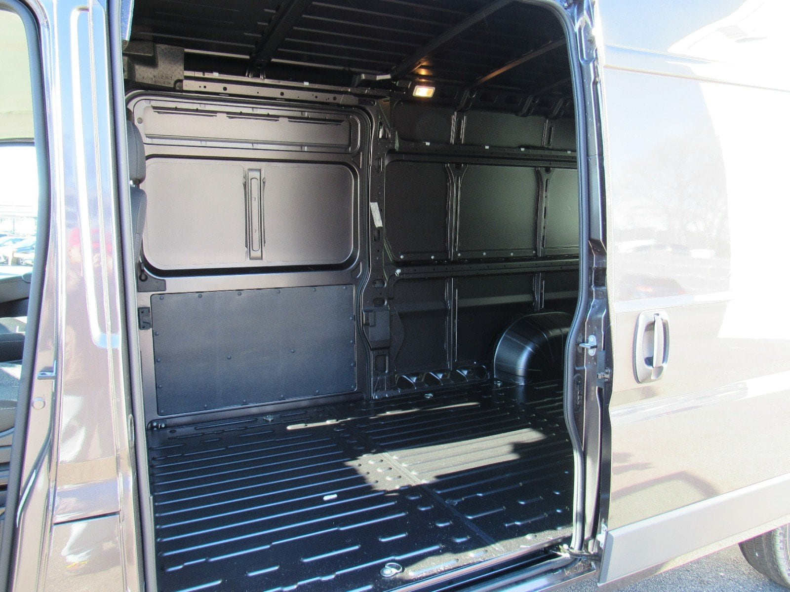 2018 ProMaster 2500 High Roof FWD,  Empty Cargo Van #D3369 - photo 2