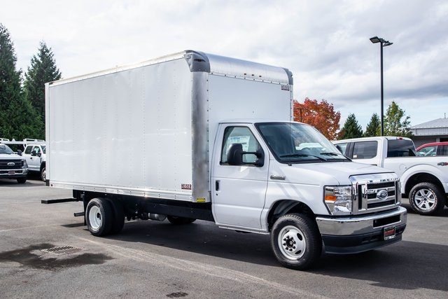 2021 Ford E-450 4x2, Supreme Cutaway Van #T21216 - photo 1