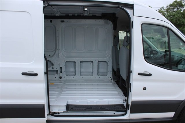 2018 Transit 250 Med Roof 4x2,  Empty Cargo Van #D0597 - photo 27