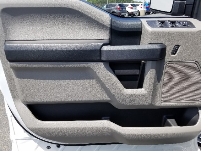 2019 F-150 SuperCrew Cab 4x4, Pickup #T197232 - photo 11