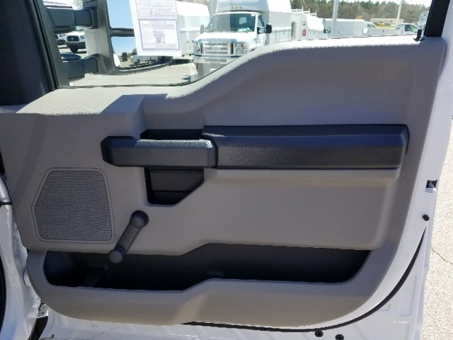 2019 F-550 Regular Cab DRW 4x2,  Cab Chassis #T198090 - photo 23