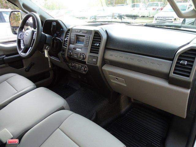 2019 F-550 Regular Cab DRW 4x2,  Cab Chassis #T198090 - photo 35