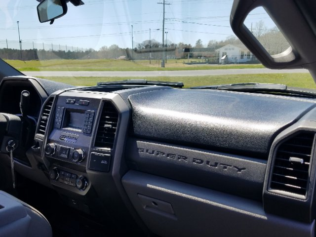 2019 F-450 Regular Cab DRW 4x2,  Cab Chassis #T198106 - photo 25