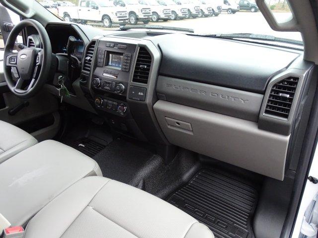2019 F-450 Regular Cab DRW 4x2,  Cab Chassis #T198106 - photo 34