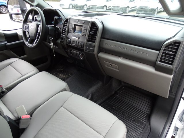 2019 F-550 Regular Cab DRW 4x2,  PJ's Platform Body #T198122 - photo 33